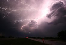 THUNDERSTORM WITH LIGHTNING IS VERY LIKELY TO OCCUR AT 17 District of Odisha