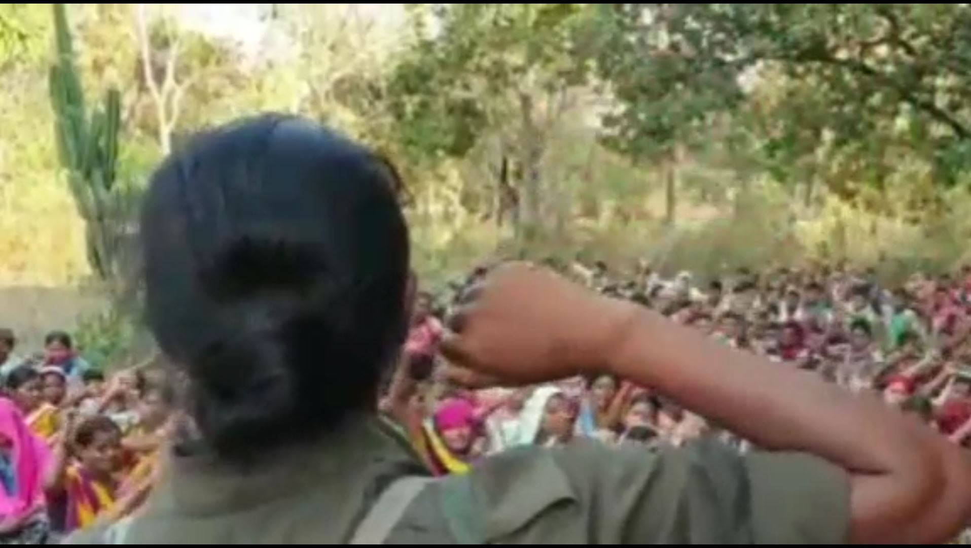 Viral Video Several Women's Of Chhatishgarh Participated In Maoist Camp Rally